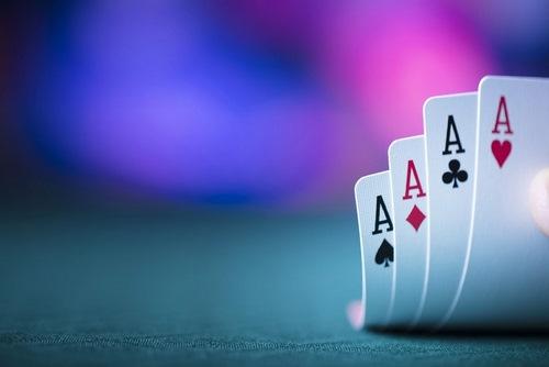 پوکر سه کارته چیست؟