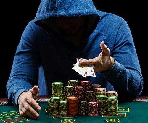 پوکر 5 کارتی چیست؟