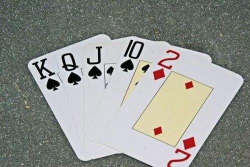 دانلود بازی پوکر 5 کارتی اندروید چگونه است؟