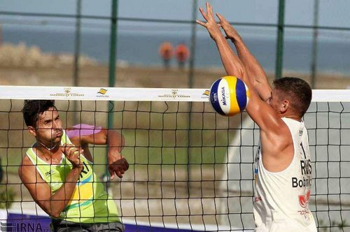 ارتفاع تور والیبال ساحلی چند متر است؟
