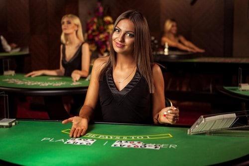 آیا در سایت boro casino کازینوی زنده هم ارائه می شود ؟