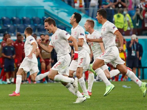 فرم پیش بینی بازی فوتبال اسپانیا در مقابل ایتالیا