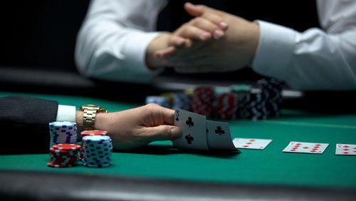 هنر بلوف : 9 راه برای فریب دادن یک میز پوکر