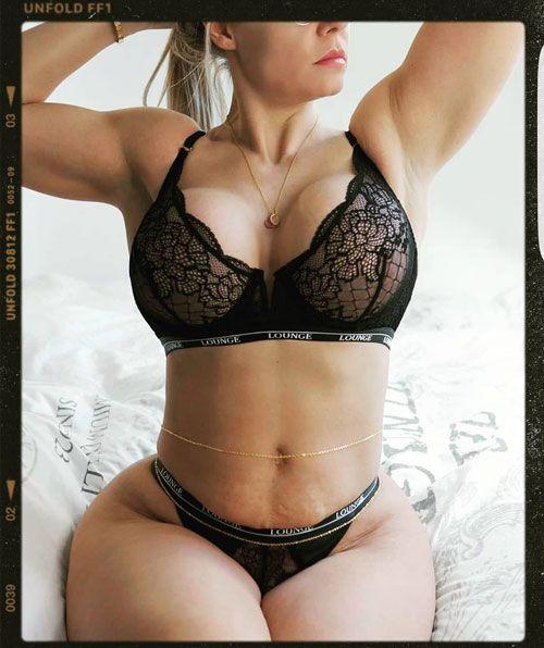 میا سند MIA SAND مدل با اندام بی نظیر اهل کشور دانمارک